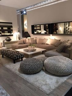 Discover the best luxury home decor inspiration selected for your next interior . - Discover the best luxury home decor inspiration selected for your next interior design project here - Small Living Rooms, Home And Living, Living Room Brown, Living Roon, Living Room Goals, Luxury Living Rooms, Spacious Living Room, Living Area, Living Room Pouf