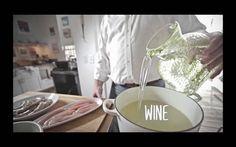 How to Make Zucchini Noodle Greek Salad #zucchini #greeksalad #thw
