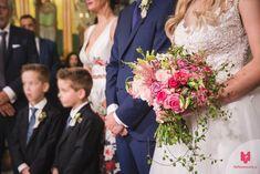 """Νυφική ανθοδέσμη σε ροζ και φούξια αποχρώσεις από το Flower Puzzle.  """"Κάθε event κι ένα αγαπημένο παζλ από λουλούδια!"""" Δείτε περισσότερα στο Gamos Portal!  #weddingflowers Bridesmaid Dresses, Wedding Dresses, Floral Wreath, Wreaths, Flowers, Decor, Fashion, Bridesmade Dresses, Bride Dresses"""