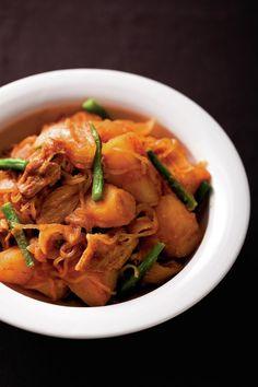 Japanese simmered meat and potatoes, Niku-jaga 肉じゃが