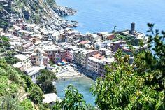 Na een lange wandeling de beloning van een prachtig uitzicht op Vernazza!