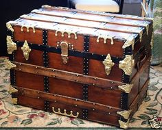 . Disney Collectibles, Coca Cola, Chest Furniture, Vintage Trunks, Steamer Trunk, Trunks And Chests, Stores, Hope Chest, Storage Chest