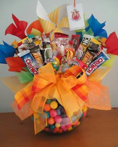 Birthday Candy, Diy Birthday, Birthday Gifts, Gift Bouquet, Candy Bouquet, Chocolate Flowers Bouquet, Candy Arrangements, Candy Cakes, Candy Gifts