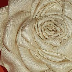 fiore in tessuto,