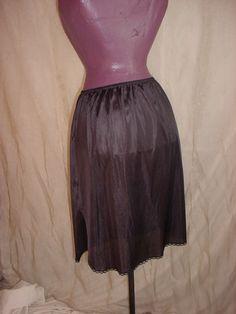 Vintage Wondermaid Black Half Slip w Lace sz Large w Side Slit J171 Knee Length #Wondermaid