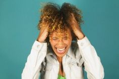 Scalp Remedies - Find out how to treat an itchy scalp naturally with these 9 simple tips. Natural Hair Salons, Natural Hair Tips, Natural Hair Journey, Natural Hair Styles, Natural Beauty, Itchy Scalp, Dry Scalp, Black Hair Care, Prevent Hair Loss