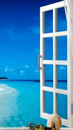 O = ocean view Paradis Tropical, I Love The Beach, Through The Window, Window View, Windows, Coastal Living, Belle Photo, Beautiful Beaches, Vacation Spots