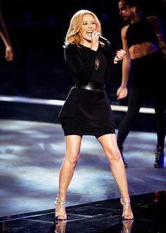 http://omg-kylieminogue.tumblr.com/page/10