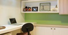 Home Office com Paredes em Verde e Branco
