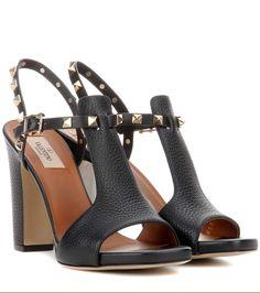 VALENTINO Valentino Garavani Rockstud Leather Sandals. #valentino #shoes #sandals