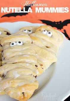 Oh baby! These little mummies are made with NUTELLA! Love, love, love!