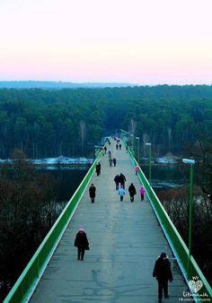 Pėsčiųjų tiltas #Kaunas We love Lithuania - Photo by : Toma Pakulytė.jpg (669×960)