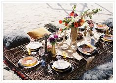 Our Style Society member The Glamouri's guide to a seasonal table setting for a summer picnic that can be completed with a bottle of Ecco Domani Pinot Grigio