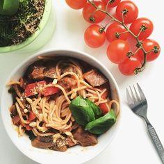 Simple Wholesome Goodness: Spicy Tomato, Aubergine and Capsicum Pasta Sauce