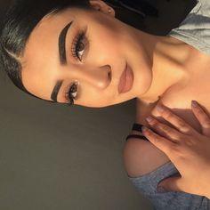baddie makeup – Hair and beauty tips, tricks and tutorials Prom Makeup, Cute Makeup, Gorgeous Makeup, Pretty Makeup, Makeup Trends, Makeup Inspo, Makeup Inspiration, Full Face Makeup, Skin Makeup