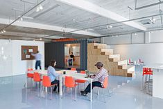 California tech incubator by CHA:COL discourages occupants from staying too long Startup Incubator, Shipping Container Design, Shipping Containers, Space Matters, Startup Branding, Startup Office, Modern Office Design, Office Designs, Office Ideas