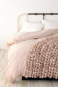 Ruffle duvet cover. I imagine this in my littlest girls room but in a different color. Waiting for the How To to be posted. $148.00