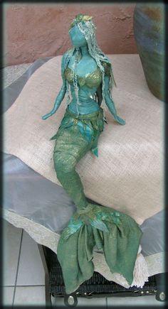 Trendy garden art sculptures paper mache 63 Ideas - Home & DIY Paper Mache Projects, Paper Mache Crafts, Art Projects, Art Crafts, Paper Mache Sculpture, Sculpture Art, Paper Sculptures, Garden Sculptures, Mermaid Sculpture
