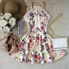 Vestido Carla Princess C/ BOJO( Estampa Rosas C/ Fundo OFF)