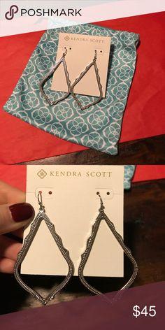 Kendra Scott Silver Sophee Drop Earrings Used, like new. Kendra Scott Jewelry Earrings