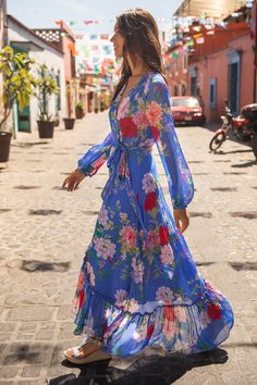 Long Sleeve Maxi, Maxi Dress With Sleeves, The Dress, Dress Red, Dress Long, Boho Outfits, Dress Outfits, Casual Outfits, Simple Outfits
