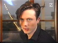 See Brett Anderson pictures, photo shoots, and listen online to the latest music. Brett Anderson, Britpop, Rock Legends, Beautiful One, Latest Music, Heart Eyes, Androgynous, Hair Dos, Music Bands