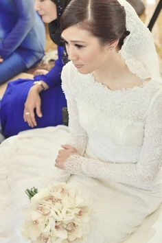 mE iN rEaL LiFe: Lovely nikah dress..