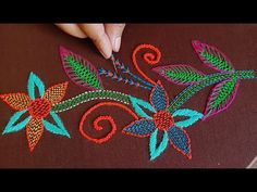 Hand Embroidery, Embroidery Ideas, Kantha Stitch, Handicraft, Couture, Editor, Tutorials, Bouquets, Japanese Embroidery
