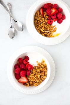 Coconut Granola - this granola is delicious! Easy to make and uses coconut oil instead of butter or vegetable oil.
