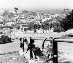 Pentz street, Bo-Kaap, Cape Town 1960. | by Etiennedup Old Pictures, Old Photos, Vintage Photographs, Vintage Photos, Most Beautiful Cities, African History, Cape Town, Old Houses, South Africa