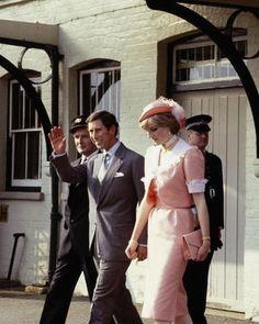 Charles & Diana leaving on their honeymoon