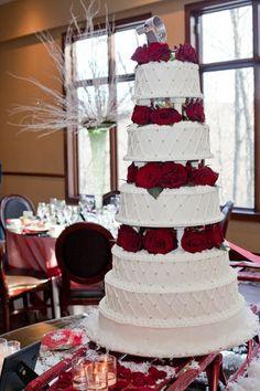 Stroudsmoor Country Inn wedding cake