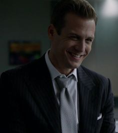 How can you not LOVE this smile!!!! Harvey Specter is my hero!