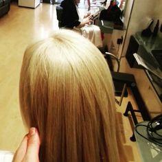 #blondehair #care #soinpourlecheveux #perfectcare #Victormaisonbeautè Secondo una recentissima statistica effettuata sul campo, circa un 60% delle donne si colorano i capelli.  #Victormaisonbeautè insiste molto sulla cura dei vostri capelli con ricostruzioni, shampoo specifici e molti altri trattamenti e coccole da effettuare in salone!  VUOI I CAPELLI PERFETTI?  Prenota la tua consulenza personalizzata gratuita 0184504435