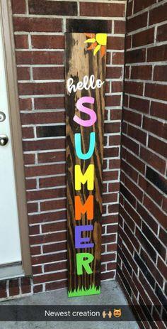 65 Super ideas for diy outdoor signs wood pallets front doors Pallet Crafts, Pallet Art, Wooden Crafts, Homemade Wood Signs, Diy Wood Signs, Front Porch Signs, Front Porches, Front Doors, Wooden Welcome Signs