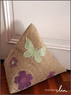 Tutoriel couture  Le cale porte en lin déco & Iu0027m using my yoga mat as a door stop...this is so much nicer! | DIY ...