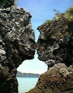 Our amazing world... I don't know where this is but can you see the kiss?