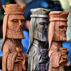 Puerto Rico, 3 Reyes, Puerto Rican Culture, Three Wise Men, Wood Carving Patterns, Wood Turning Projects, Chess Pieces, Kings Day, American Country
