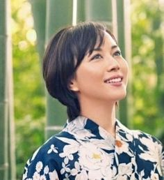 Manami Higa is a Japanese actress. Female Face, Yukata, Woman Face, Asian Woman, Asian Beauty, Kimono, Japanese, Actresses, Smile