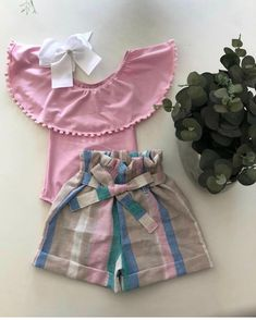 Fashion Art Kids Children Ideas For 2019 Baby Girl Shirts, Little Girl Dresses, Girls Dresses, Little Girl Fashion, Fashion Kids, Fashion Art, Kids Outfits, Cute Outfits, Sewing Kids Clothes