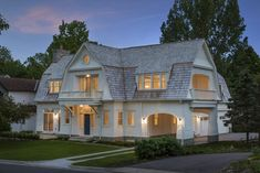 Beautiful dutch gambrel shingle-style lake cottage in Minnesota Plans Architecture, Architecture Details, Shingle Style Architecture, Victorian Architecture, Residential Architecture, Minneapolis, Bungalow, Dutch Colonial Homes, Dutch Colonial Exterior
