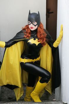 """capesandphaserbanks: """" Barbara Gordon - Batgirl VI by ~Knightess-Rouge """" I have to repost this. I know I post every Knightess Rouge Batgirl again, but COME ON. I swear, I would do a photo cover with. Batgirl Cosplay, Dc Cosplay, Batman And Batgirl, Superhero Cosplay, Female Superhero, Best Cosplay, Cosplay Girls, Batwoman Costume, Huntress Costume"""