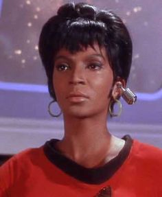 "When you stop to consider the many barriers she broke at the time in the role. She's still going strong too! A little amusing that I found this pic searching ""Bluetooth"" - due to her earpiece! Trek becomes Tech. Star Trek Cast, Star Trek Series, Star Trek Original Series, Start Trek, Nichelle Nichols, Star Trek 1966, Star Trek Images, Star Trek Characters, Star Trek Universe"