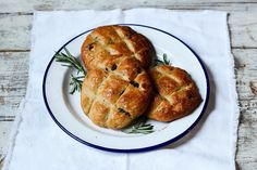 The Spoon and Whisk: Pandiramerino (a.k.a Rosemary and Raisin Buns)