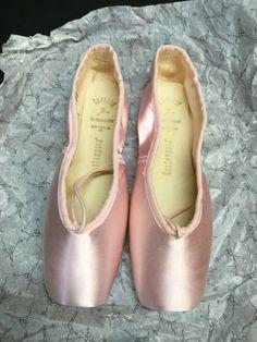 ab153170b46f Capezio 175 Women s Size 3.5 B PNK Contempora Pointe Shoes  fashion   clothing  shoes  accessories  dancewear  danceshoes (ebay link)