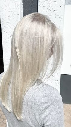 Grey Hair Wig, Silver Blonde Hair, Cool Blonde Hair, Icy Blonde, Blonde Hair With Highlights, Lace Hair, Brunette Hair, Blonde Wig, Purple Hair