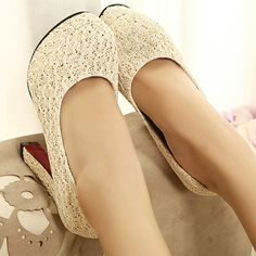 Lace Pattern Platform Pumps