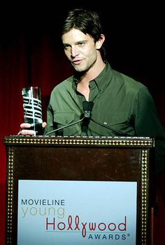 Jason Behr recipient of Standout Performance by a Young Actor award Jason Behr, Newest Tv Shows, Young Actors, Old And New, Awards, Handsome, People, Sketch Design, Fashion Design Sketches