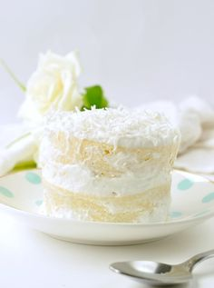 Keto coconut flour mug cake aka. single birthday cake redy in 90 seconds! The most delicious keto vanilla cake with coconut frosting Coconut Flour Mug Cake, Coconut Frosting, Cake Recipes, Dessert Recipes, Keto Recipes, Dessert Cups, Keto Foods, Baking Recipes, Keto Birthday Cake