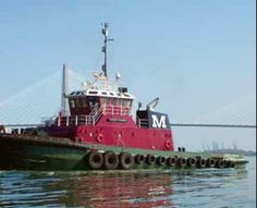 Charleston tug boats switch to cleaner fuel Offshore Boats, Shrimp Boat, Ahoy Matey, Icebreakers, Cool Boats, Tug Boats, Evening Sandals, Speed Boats, Tall Ships